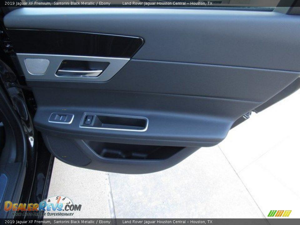 Door Panel of 2019 Jaguar XF Premium Photo #21