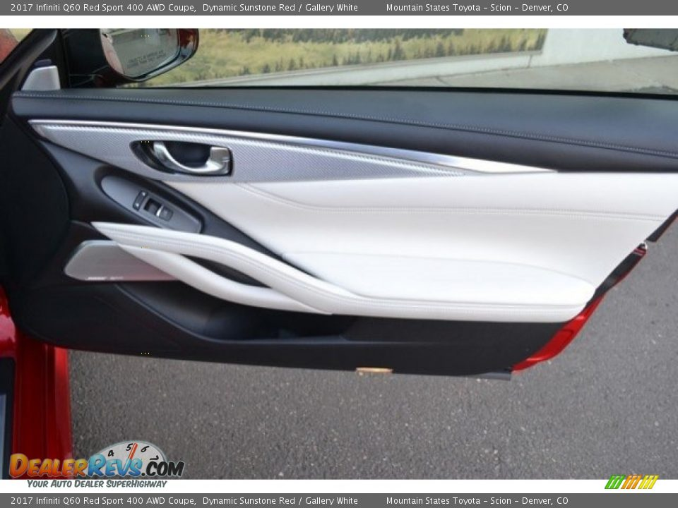 Door Panel of 2017 Infiniti Q60 Red Sport 400 AWD Coupe Photo #26