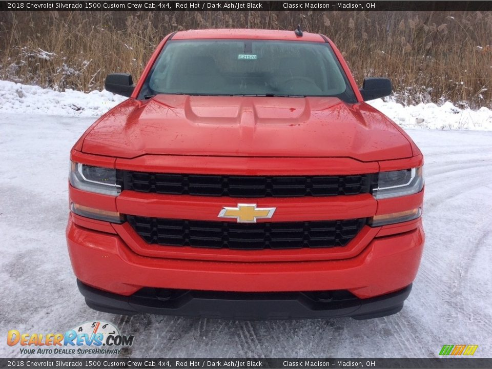 2018 Chevrolet Silverado 1500 Custom Crew Cab 4x4 Red Hot / Dark Ash/Jet Black Photo #2