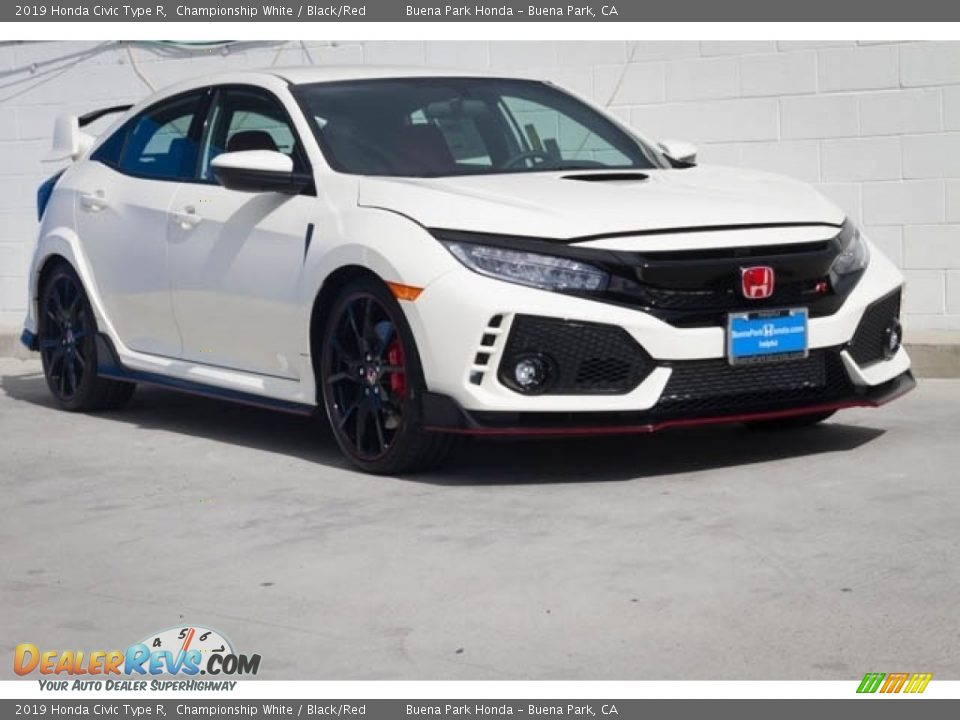 Front 3/4 View of 2019 Honda Civic Type R Photo #1
