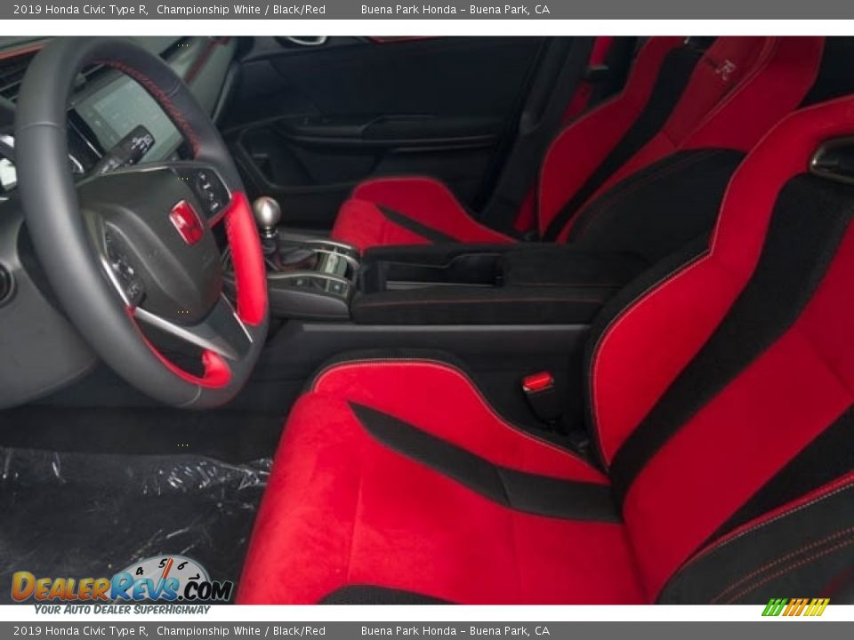 Front Seat of 2019 Honda Civic Type R Photo #17