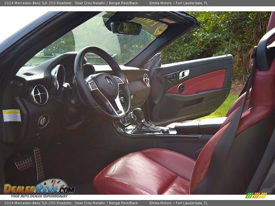 2014 Mercedes-Benz SLK 250 Roadster Steel Grey Metallic / Bengal Red/Black Photo #35