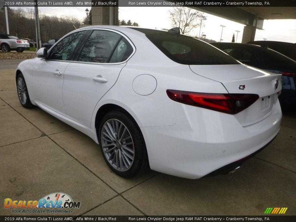 2019 Alfa Romeo Giulia Ti Lusso AWD Alfa White / Black/Red Photo #5