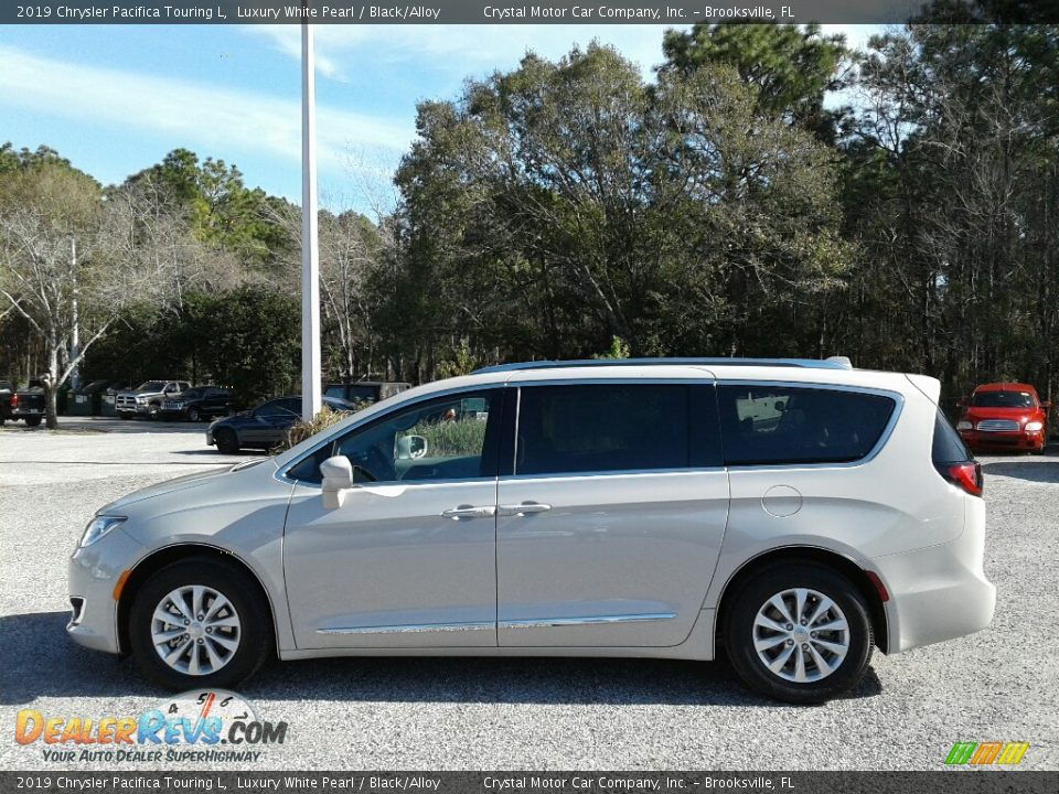 2019 Chrysler Pacifica Touring L Luxury White Pearl / Black/Alloy Photo #2