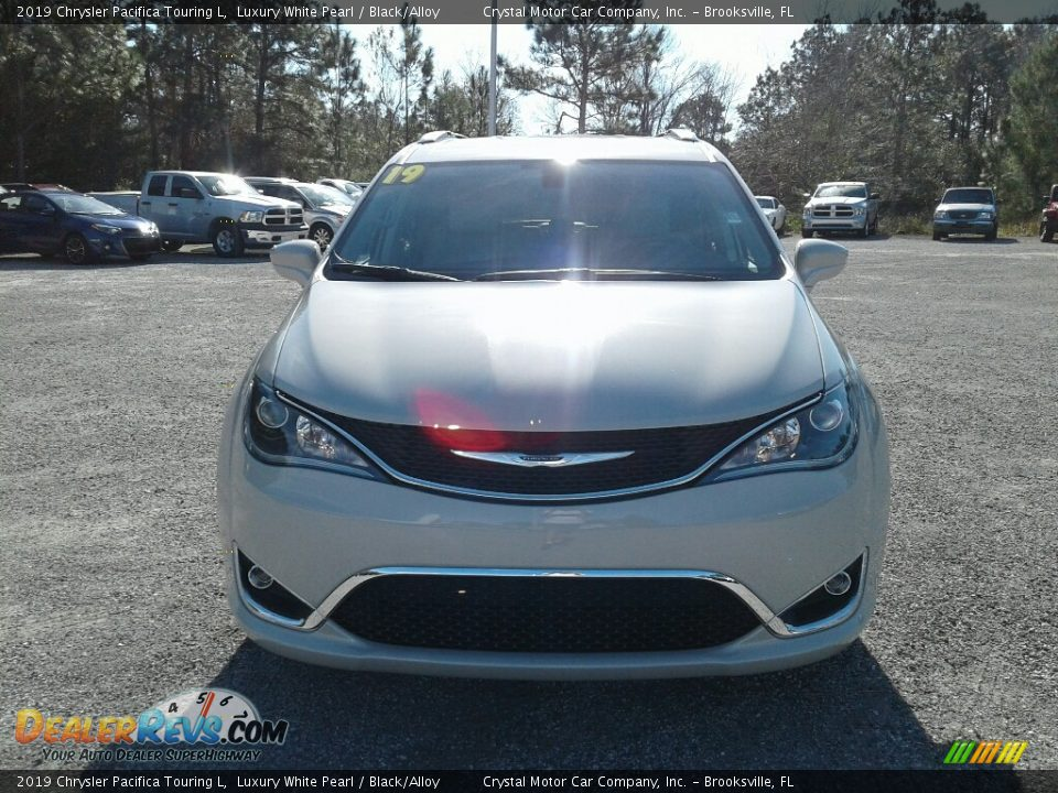 2019 Chrysler Pacifica Touring L Luxury White Pearl / Black/Alloy Photo #8