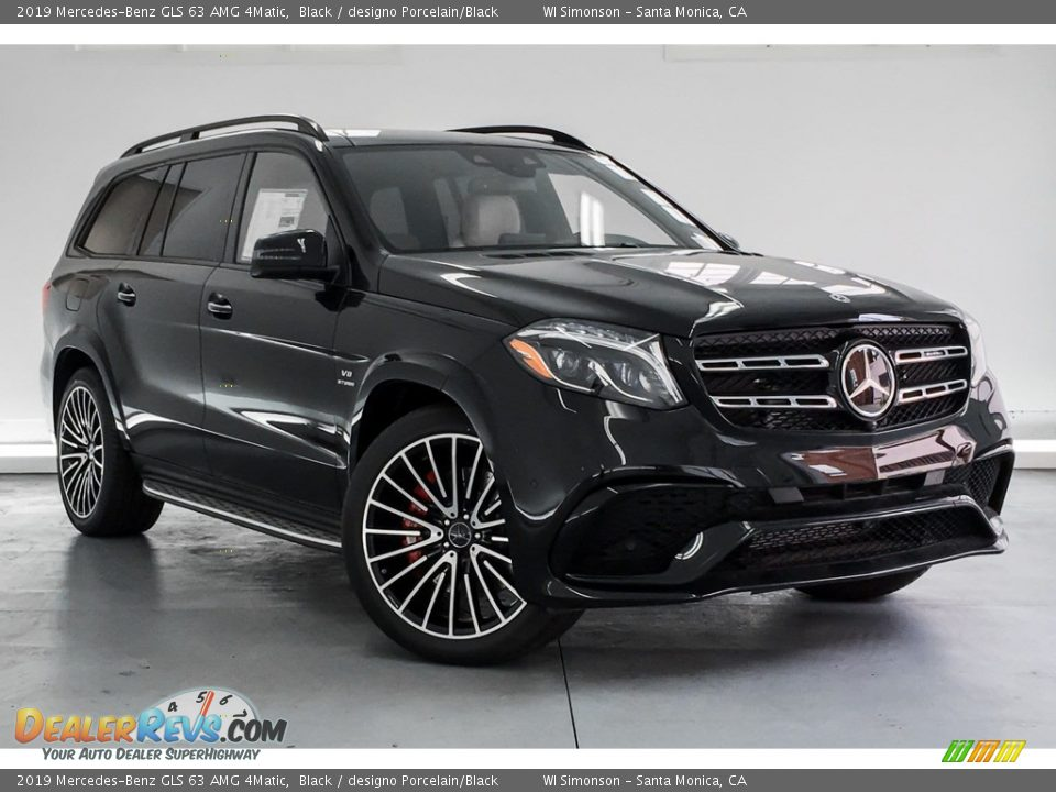 Front 3/4 View of 2019 Mercedes-Benz GLS 63 AMG 4Matic Photo #12