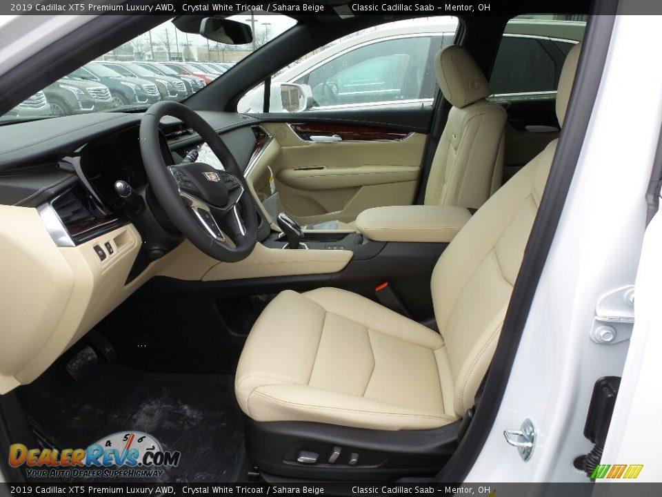 2019 Cadillac XT5 Premium Luxury AWD Crystal White Tricoat / Sahara Beige Photo #3