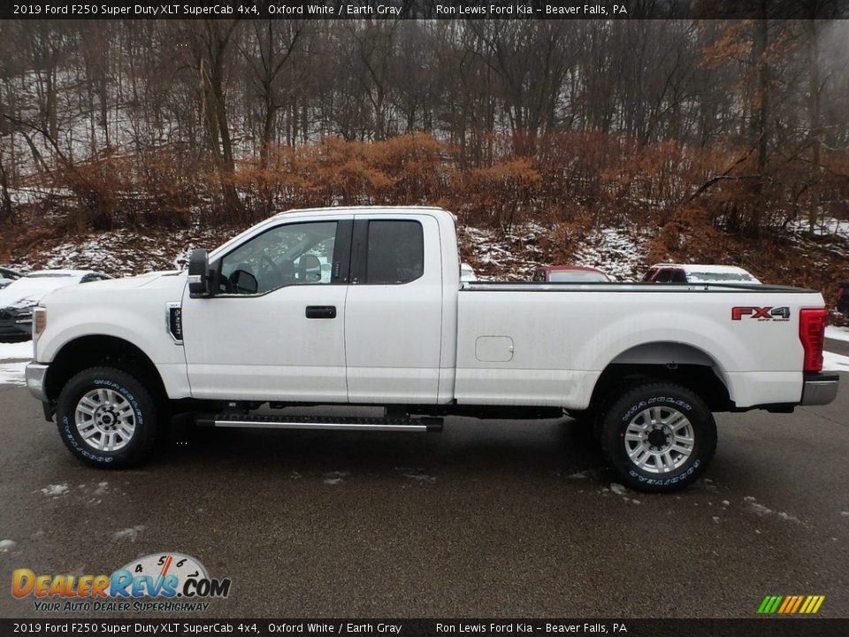 2019 Ford F250 Super Duty XLT SuperCab 4x4 Oxford White / Earth Gray Photo #5