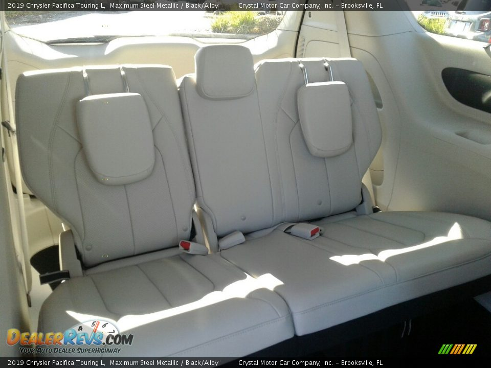 Rear Seat of 2019 Chrysler Pacifica Touring L Photo #11
