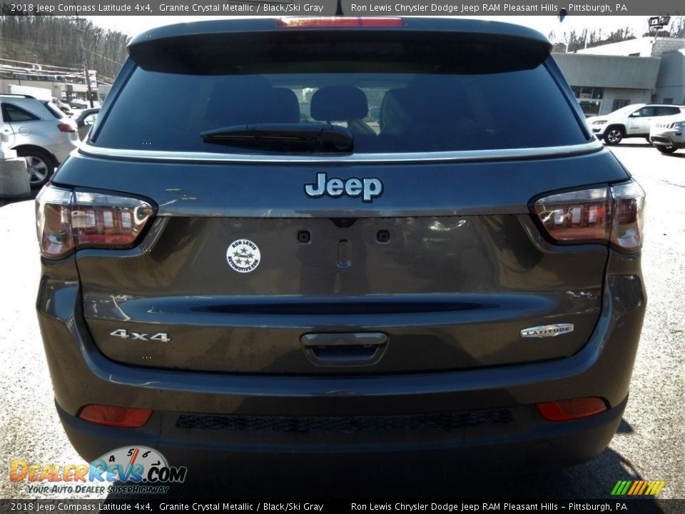2018 Jeep Compass Latitude 4x4 Granite Crystal Metallic / Black/Ski Gray Photo #4