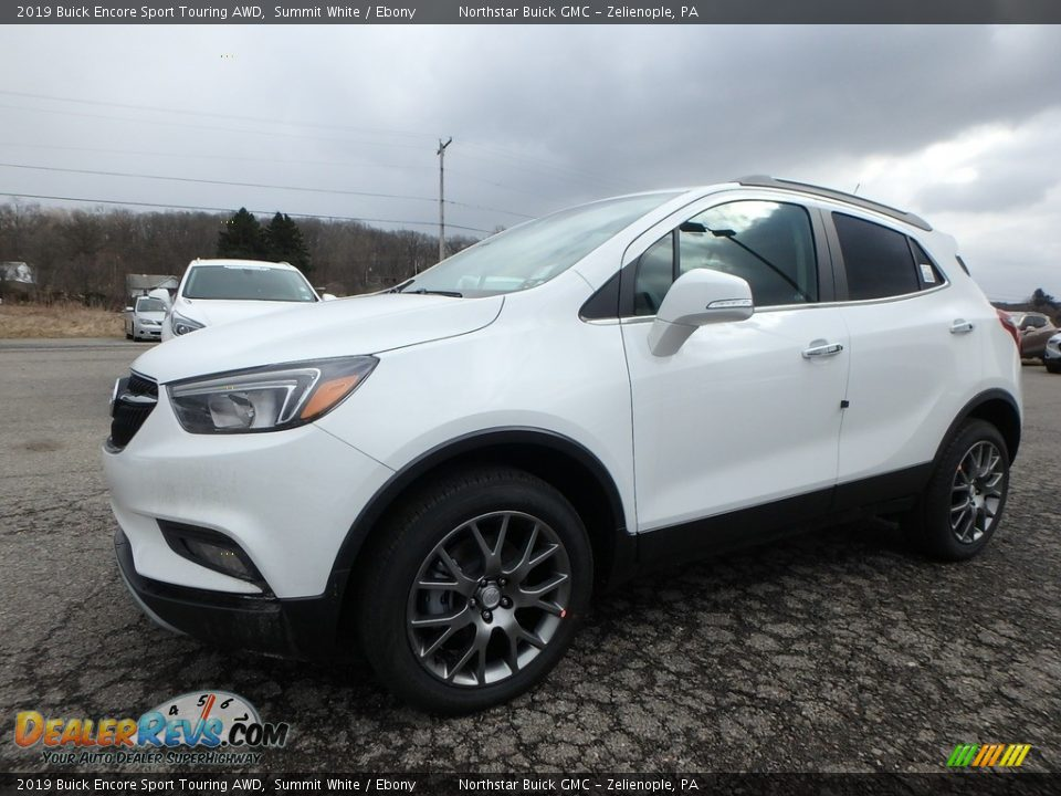 Front 3/4 View of 2019 Buick Encore Sport Touring AWD Photo #1