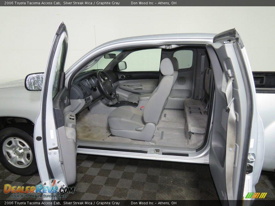 2006 Toyota Tacoma Access Cab Silver Streak Mica / Graphite Gray Photo #25