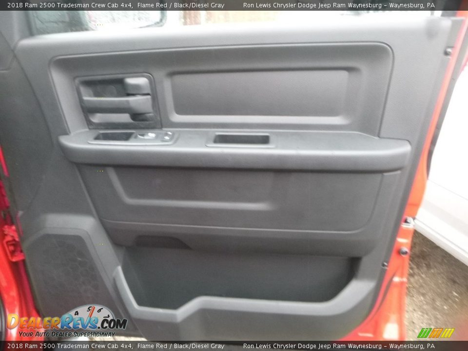 2018 Ram 2500 Tradesman Crew Cab 4x4 Flame Red / Black/Diesel Gray Photo #7