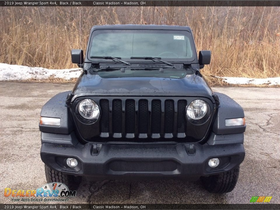 2019 Jeep Wrangler Sport 4x4 Black / Black Photo #2