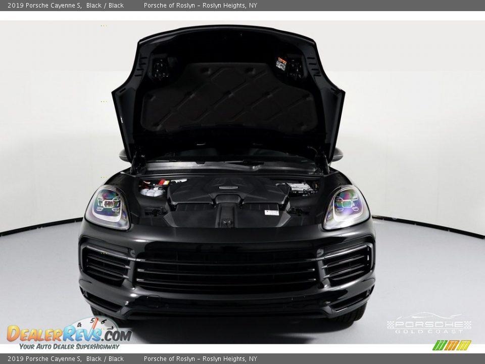 2019 Porsche Cayenne S Black / Black Photo #3