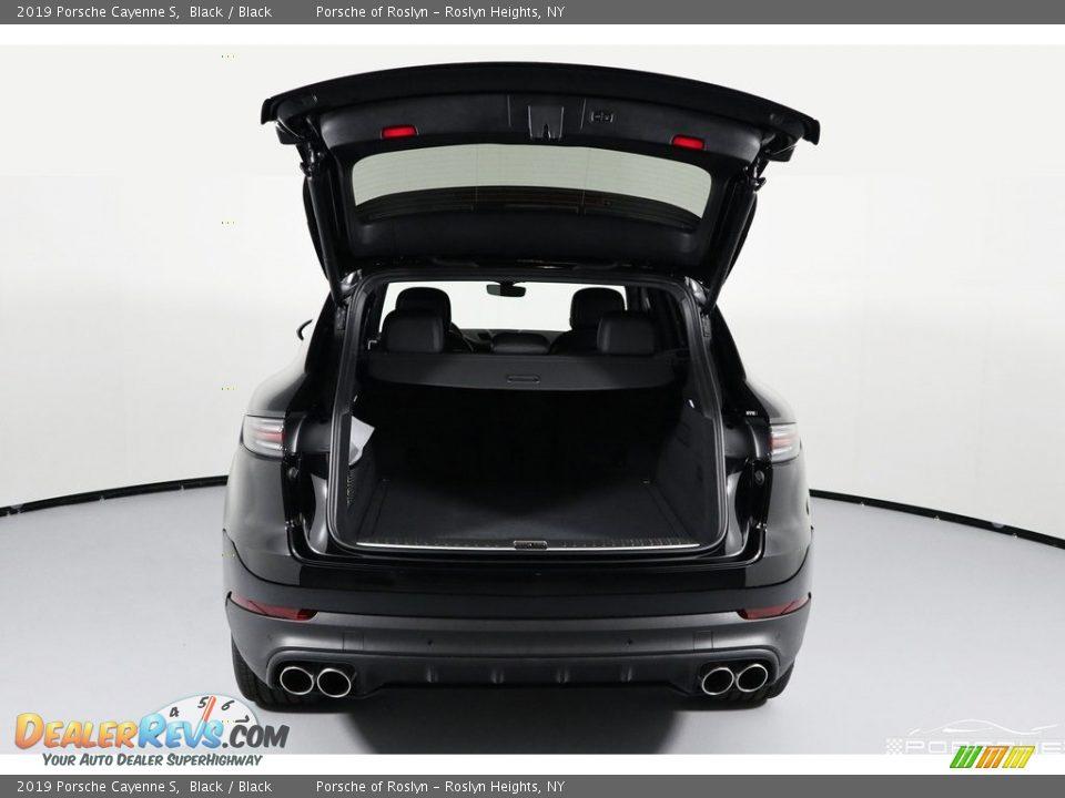 2019 Porsche Cayenne S Black / Black Photo #9
