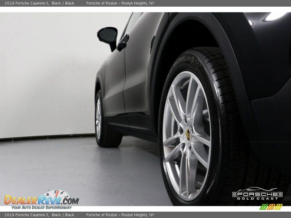 2019 Porsche Cayenne S Black / Black Photo #5