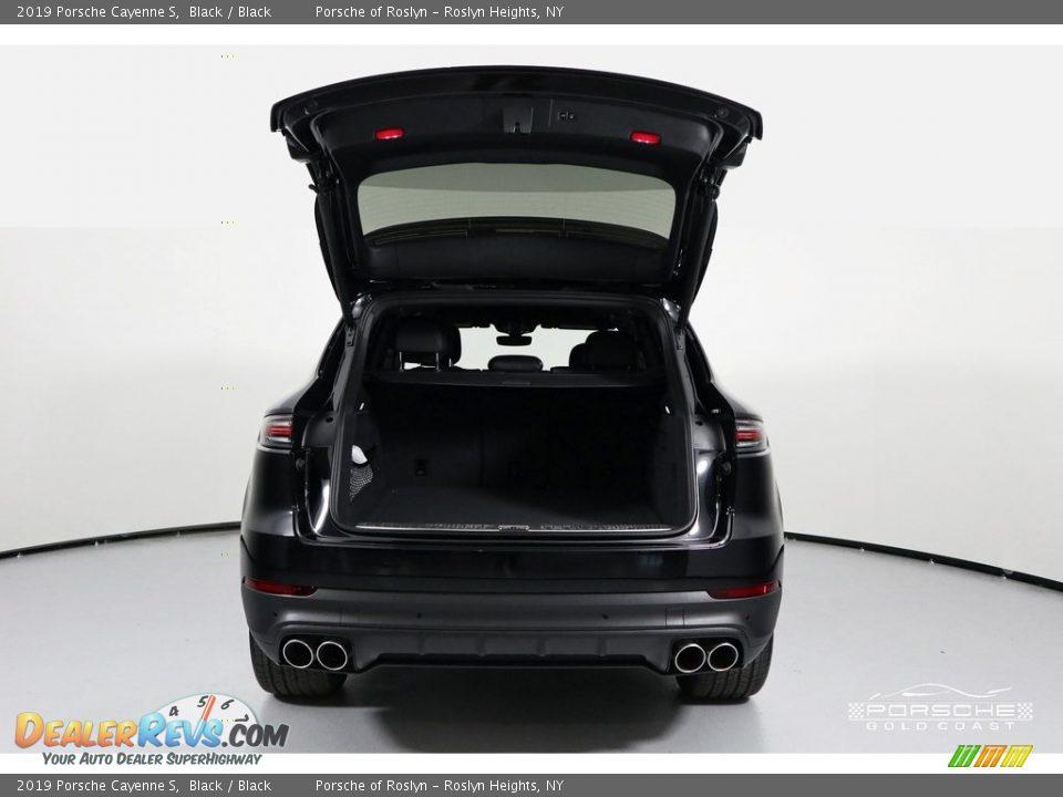 2019 Porsche Cayenne S Black / Black Photo #7