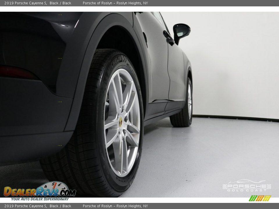 2019 Porsche Cayenne S Black / Black Photo #10