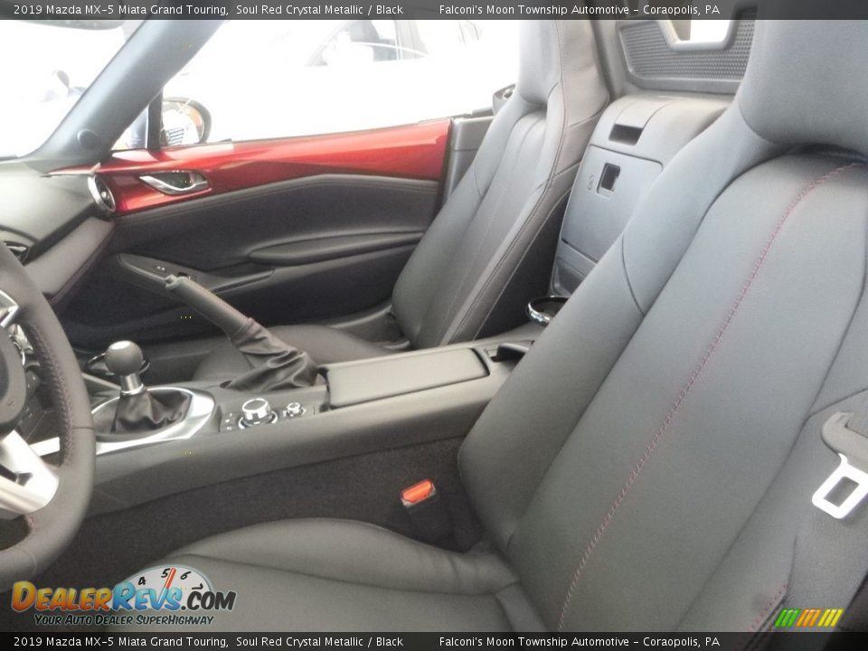 Front Seat of 2019 Mazda MX-5 Miata Grand Touring Photo #11