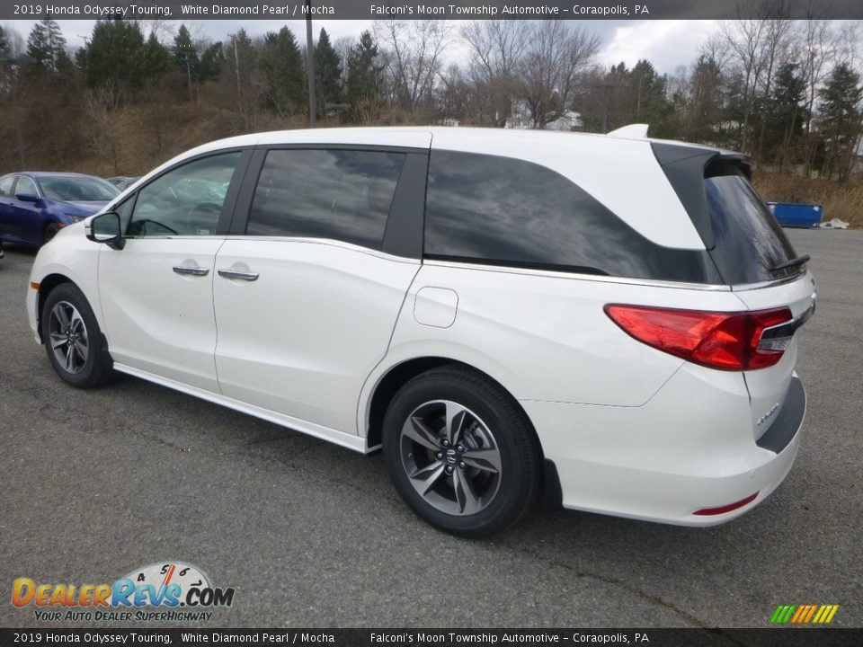 2019 Honda Odyssey Touring White Diamond Pearl / Mocha Photo #2