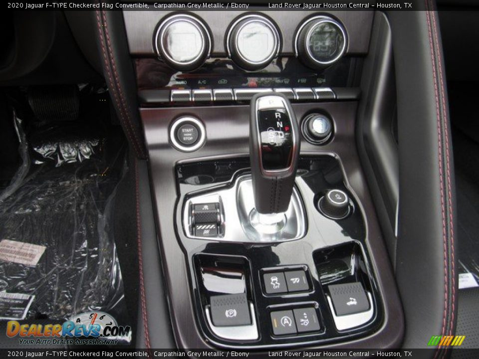 2020 Jaguar F-TYPE Checkered Flag Convertible Shifter Photo #26