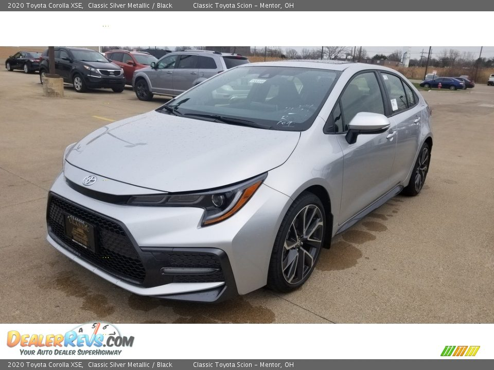 Front 3/4 View of 2020 Toyota Corolla XSE Photo #1