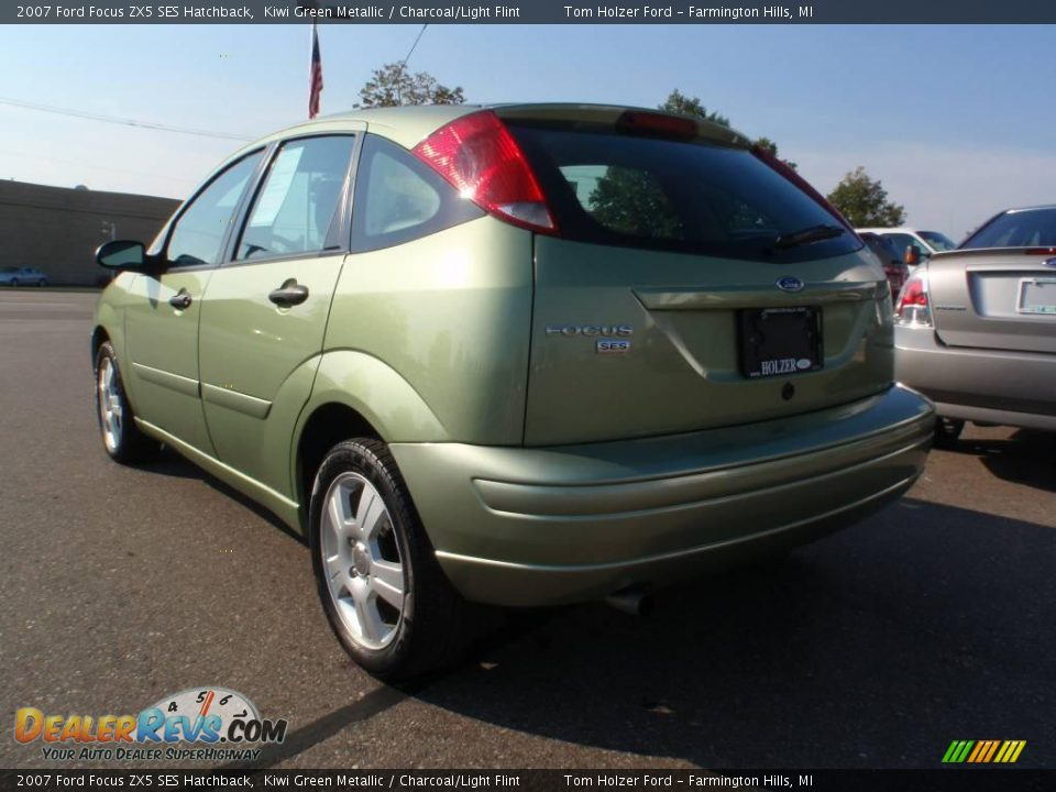 2007 ford focus zx5 ses hatchback kiwi green metallic. Black Bedroom Furniture Sets. Home Design Ideas