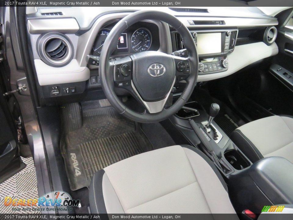 2017 Toyota RAV4 XLE Magnetic Gray Metallic / Ash Photo #34