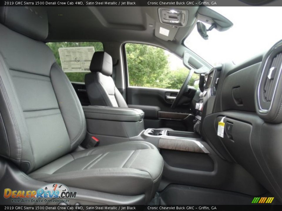 Front Seat of 2019 GMC Sierra 1500 Denali Crew Cab 4WD Photo #31