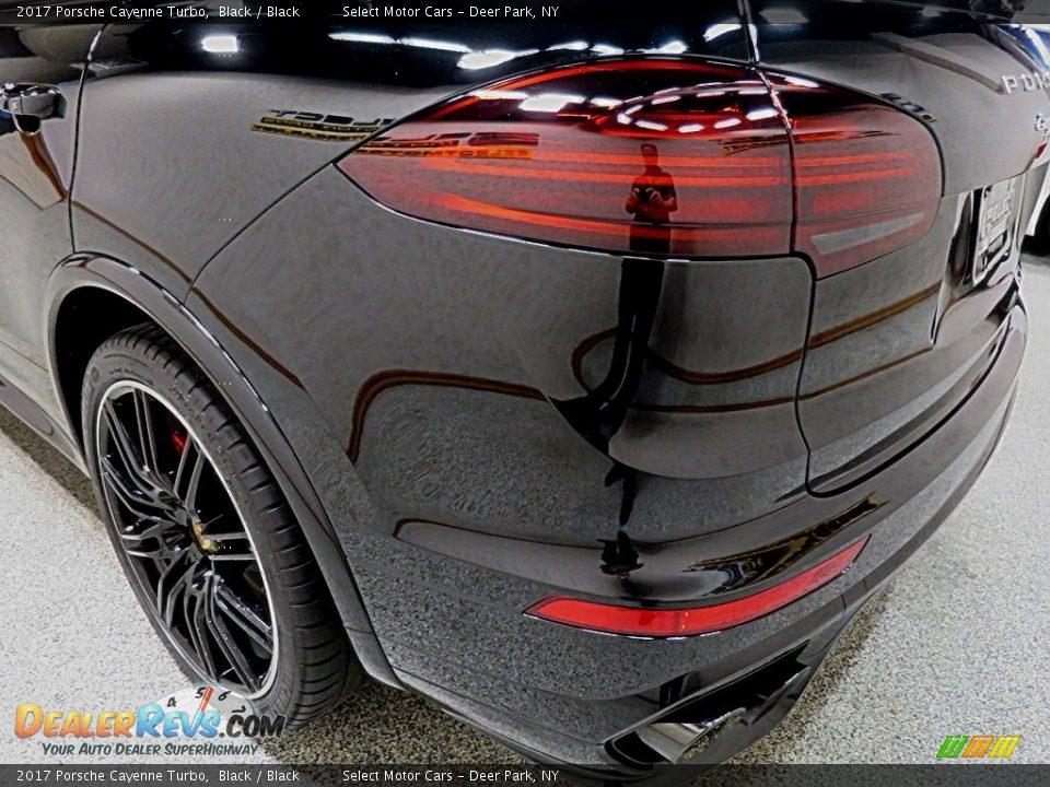2017 Porsche Cayenne Turbo Black / Black Photo #7