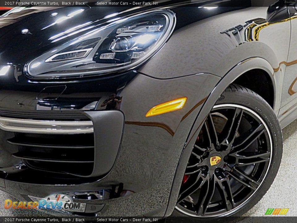 2017 Porsche Cayenne Turbo Black / Black Photo #9