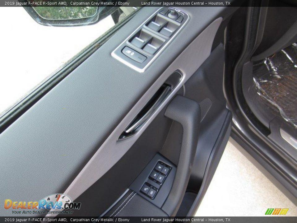 Controls of 2019 Jaguar F-PACE R-Sport AWD Photo #25