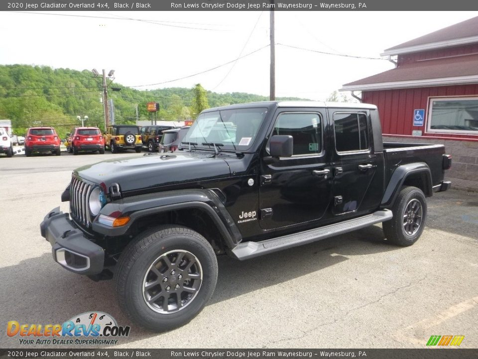Front 3/4 View of 2020 Jeep Gladiator Overland 4x4 Photo #1
