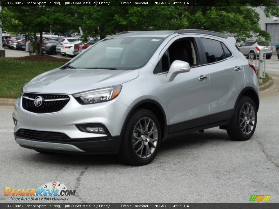 Front 3/4 View of 2019 Buick Encore Sport Touring Photo #5