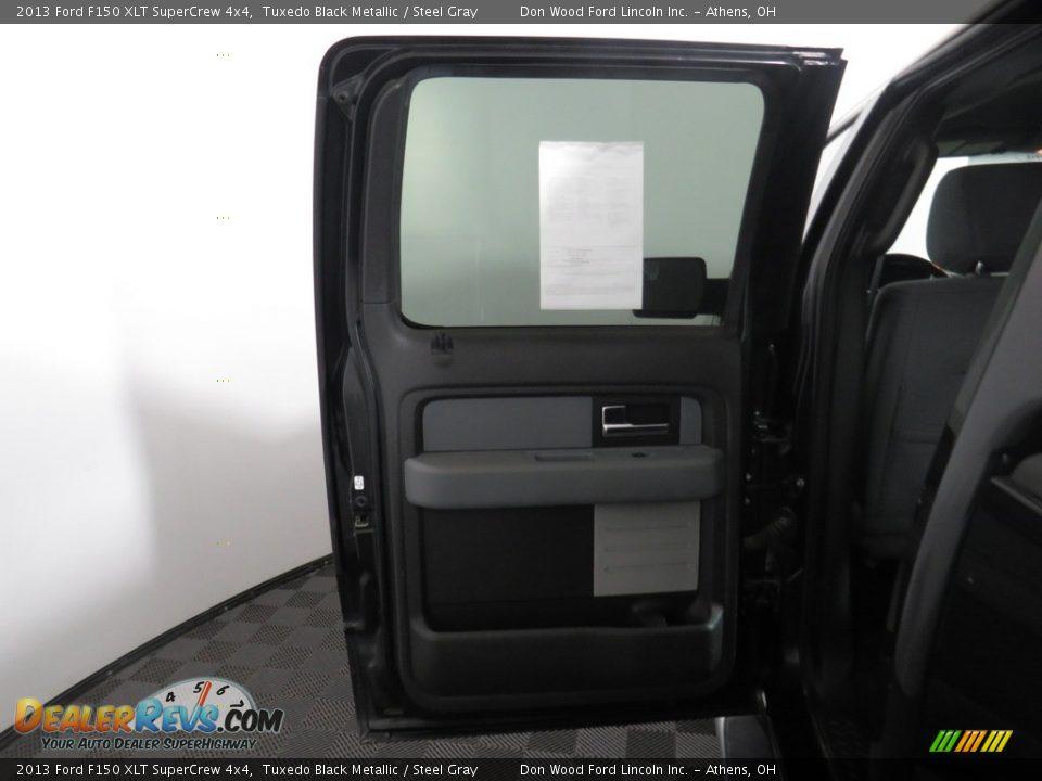2013 Ford F150 XLT SuperCrew 4x4 Tuxedo Black Metallic / Steel Gray Photo #23
