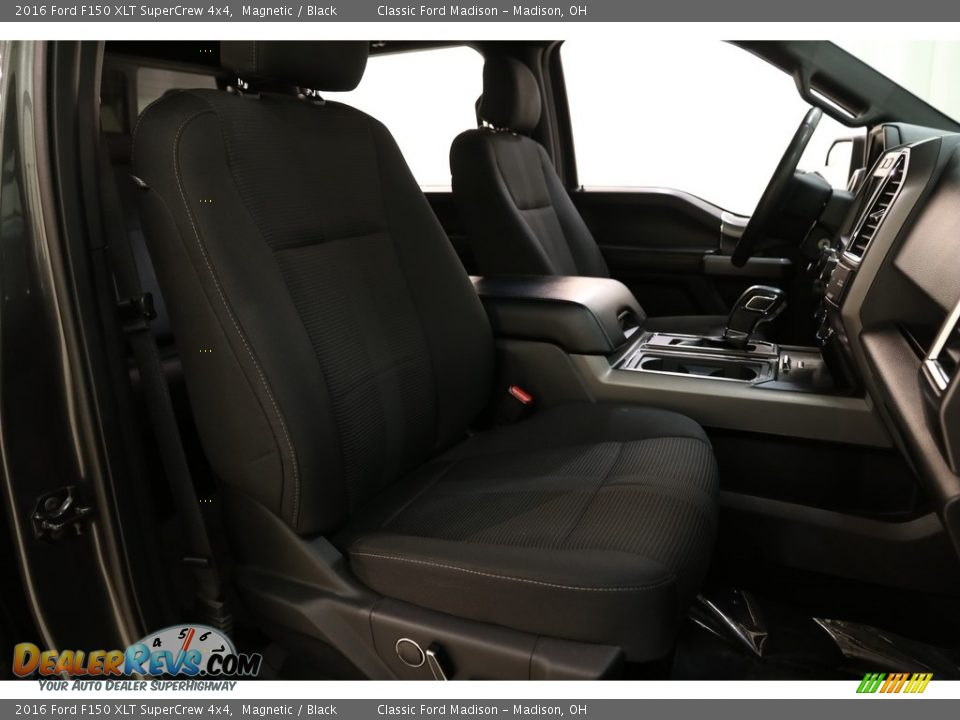 2016 Ford F150 XLT SuperCrew 4x4 Magnetic / Black Photo #13
