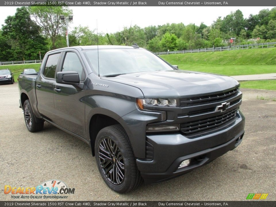 Front 3/4 View of 2019 Chevrolet Silverado 1500 RST Crew Cab 4WD Photo #11