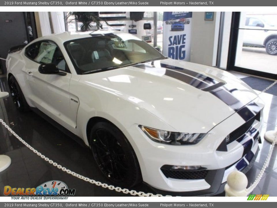 2019 Ford Mustang Shelby GT350 Oxford White / GT350 Ebony Leather/Miko Suede Photo #2