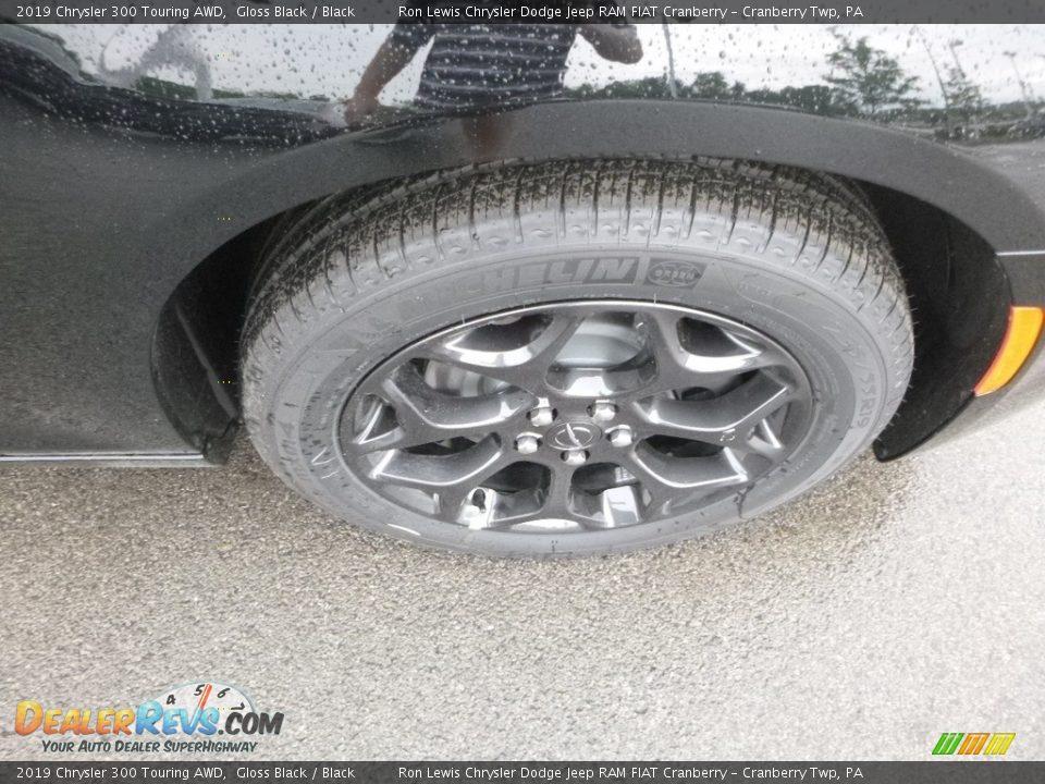 2019 Chrysler 300 Touring AWD Gloss Black / Black Photo #9