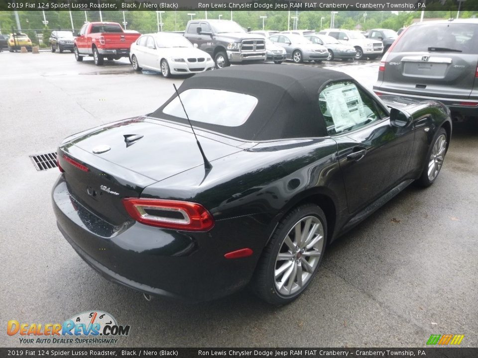 2019 Fiat 124 Spider Lusso Roadster Black / Nero (Black) Photo #5