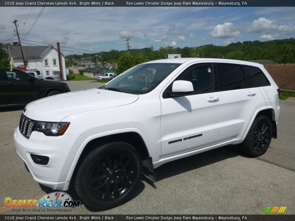 2018 Jeep Grand Cherokee Laredo 4x4 Bright White / Black Photo #1