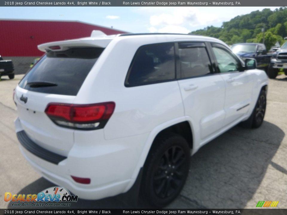 2018 Jeep Grand Cherokee Laredo 4x4 Bright White / Black Photo #5