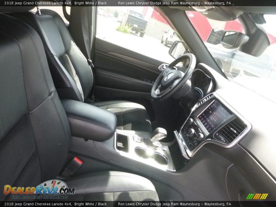 2018 Jeep Grand Cherokee Laredo 4x4 Bright White / Black Photo #10