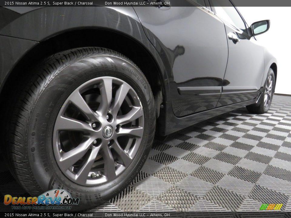 2015 Nissan Altima 2.5 S Super Black / Charcoal Photo #14