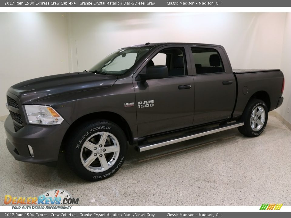 2017 Ram 1500 Express Crew Cab 4x4 Granite Crystal Metallic / Black/Diesel Gray Photo #3