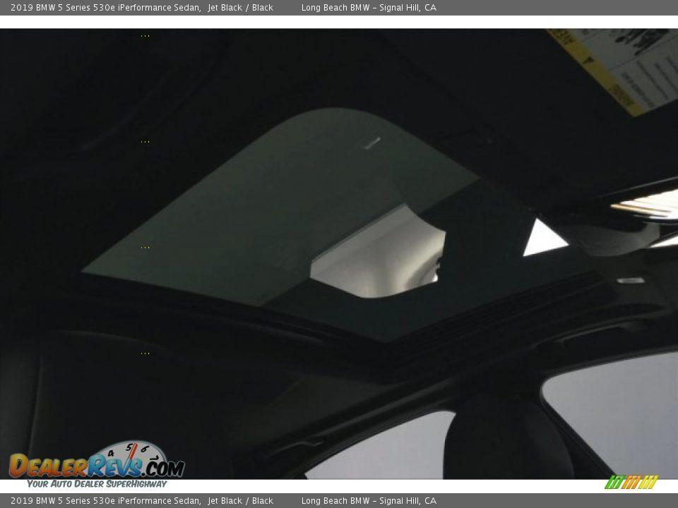 2019 BMW 5 Series 530e iPerformance Sedan Jet Black / Black Photo #25