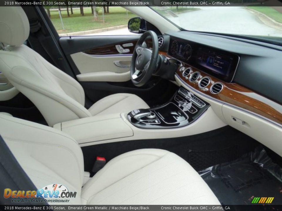 2018 Mercedes-Benz E 300 Sedan Emerald Green Metallic / Macchiato Beige/Black Photo #31
