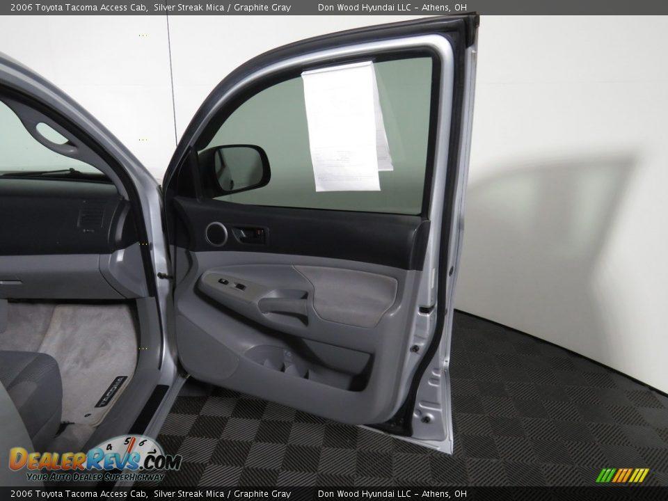2006 Toyota Tacoma Access Cab Silver Streak Mica / Graphite Gray Photo #24