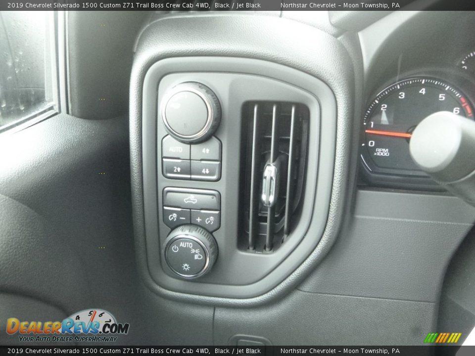 2019 Chevrolet Silverado 1500 Custom Z71 Trail Boss Crew Cab 4WD Black / Jet Black Photo #19